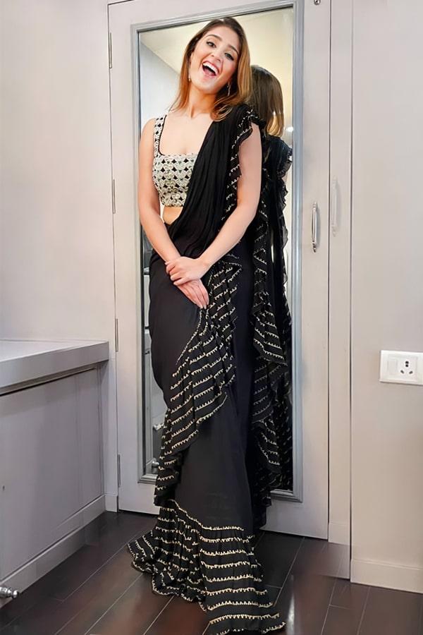 Dhvani bhanushali saree Black Ruffle 2021