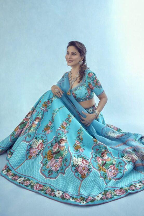 Madhuri dixit blue lehenga in dance deewane 3