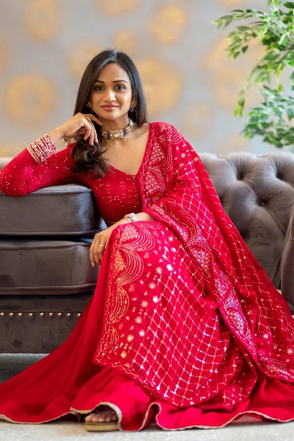 Raksha bandhan outfit ideas for girls 2021 Red