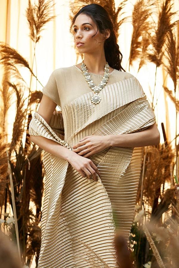 Simple designer sarees for wedding party Cream 2021