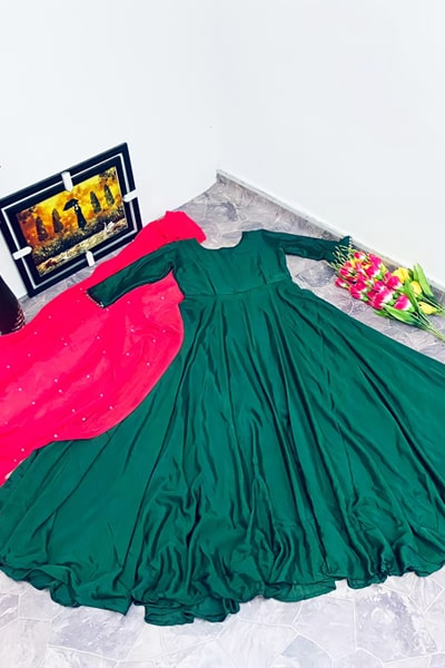 Simple gowns for indian wedding reception 2021 green (2)