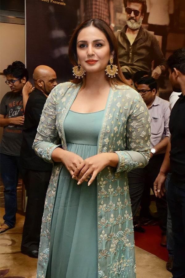 Huma qureshi dresses Gown in Kaala press meet.