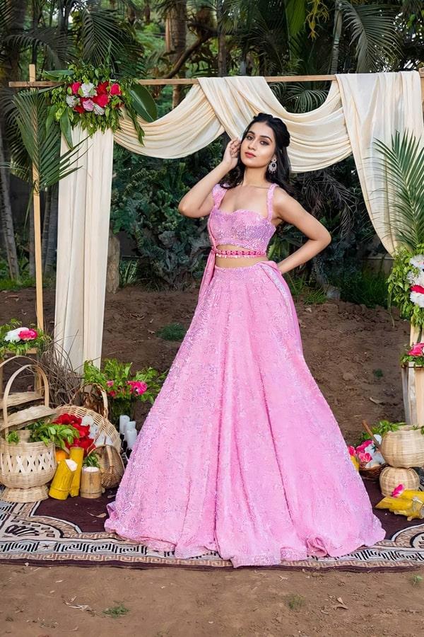 Indian wedding dresses for brides sister 2021 (2)