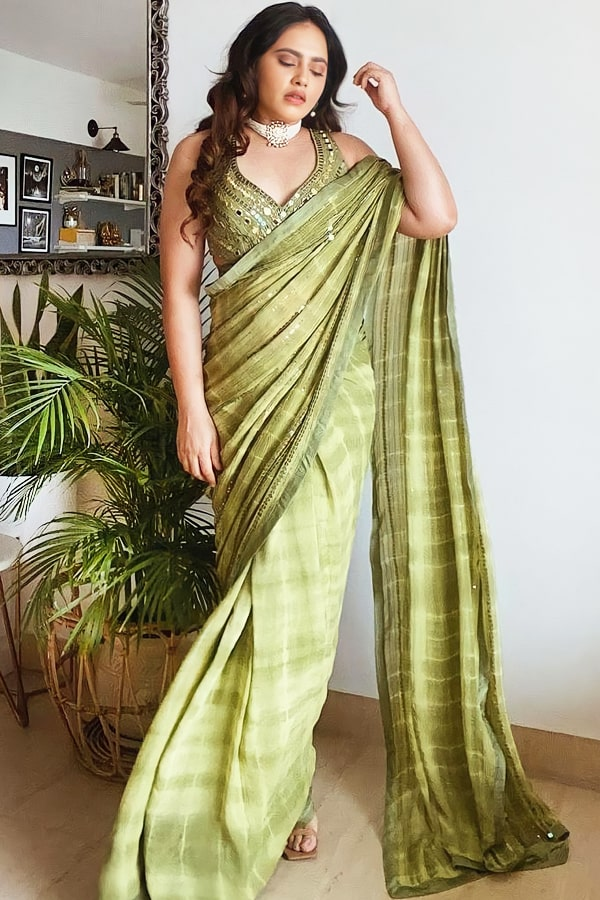 Indian wedding guest look in saree latest