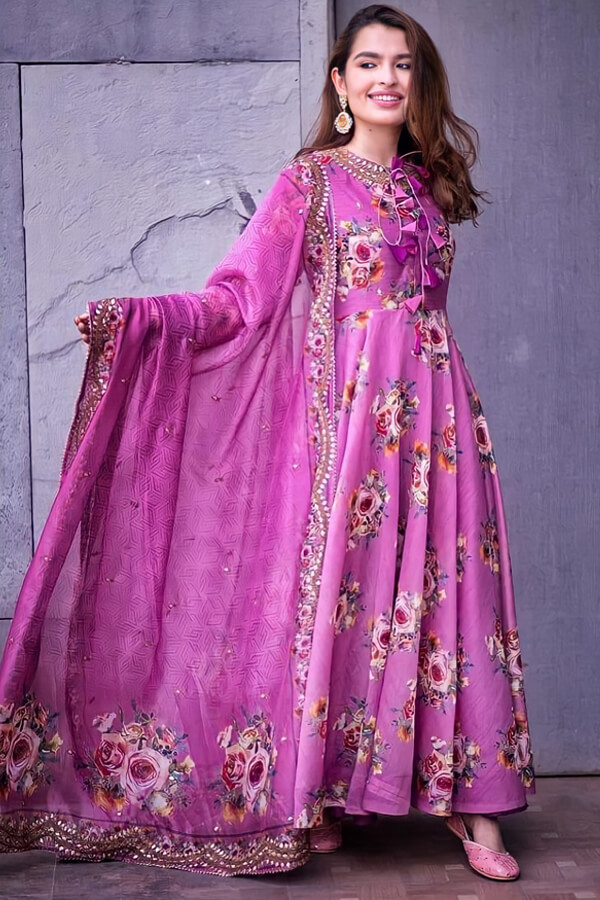 Indian wedding guest outfit ideas 2021 Pink