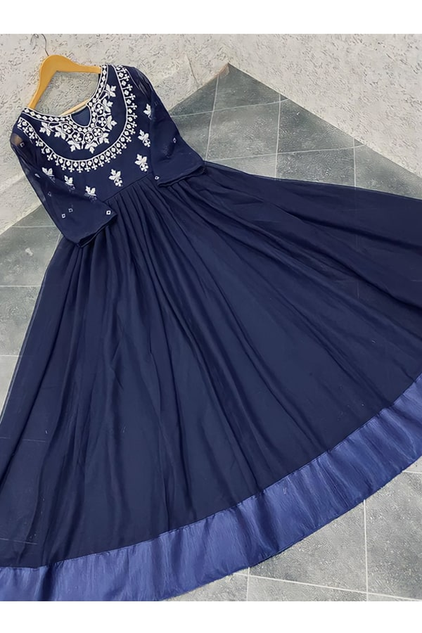 Indian wedding guest outfit ideas 2021 navy