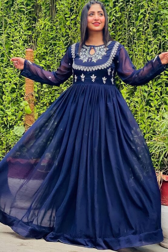 Indian wedding guest outfit ideas 2021.