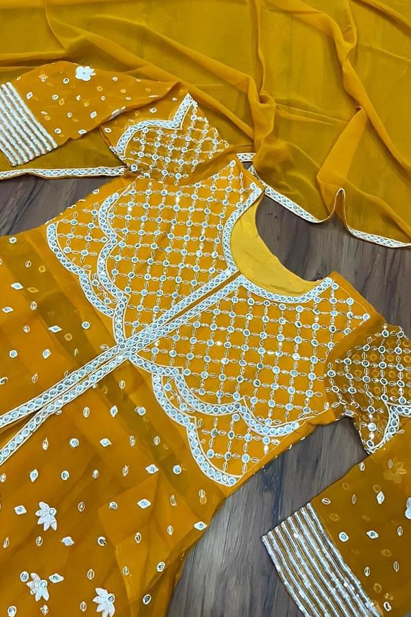Kareena kapoor khan yellow Gown dress buy (2)