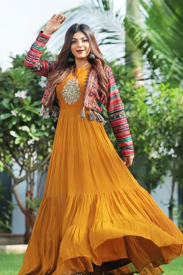 Modern gowns for Indian wedding reception 2021.