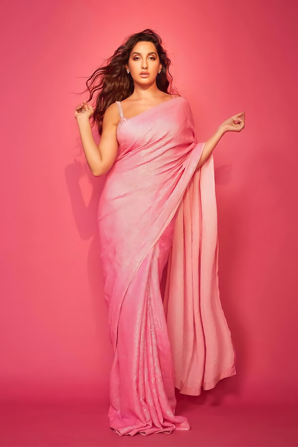 nora fatehi pink saree dance deewane 3