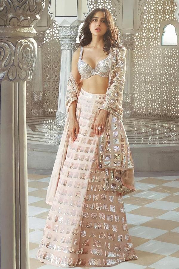 Sara ali khan in Manish Malhotra lehenga Heavy