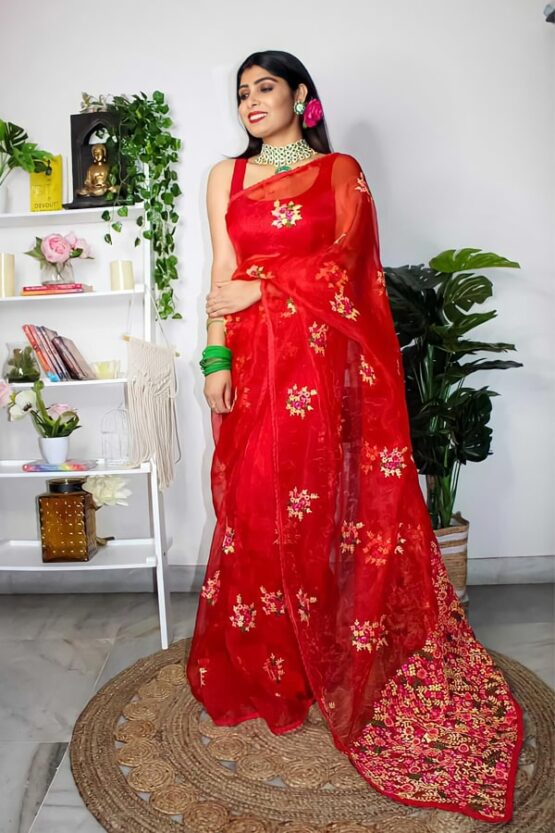 Simple saree look for friend's wedding Red