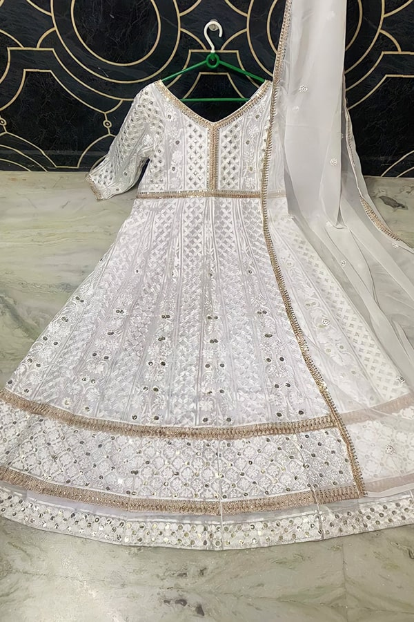 indian wedding attire for female guests