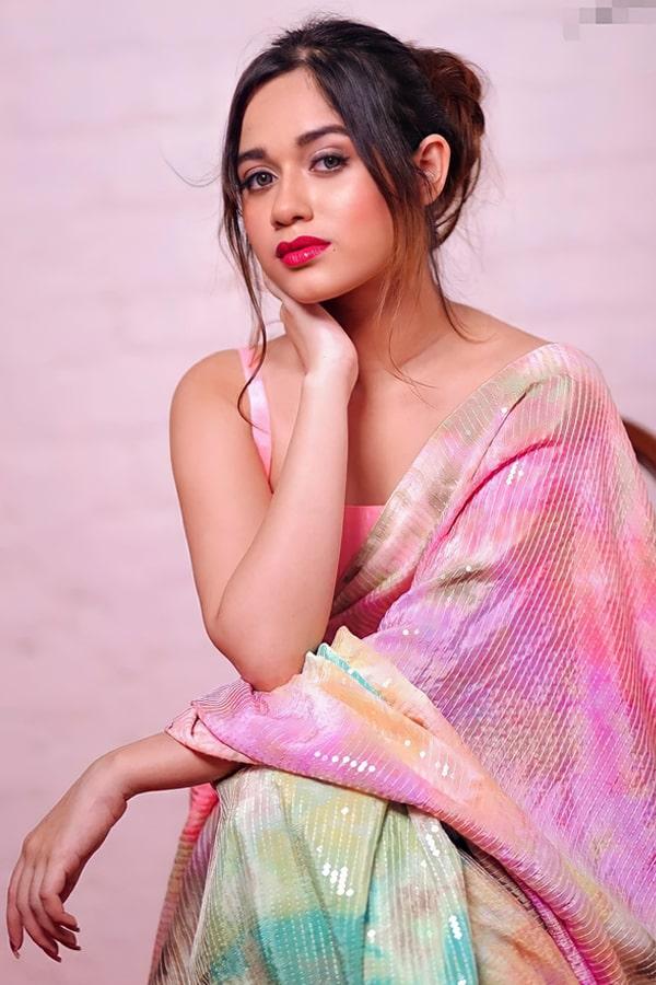 jannat zubair rahmani saree photo
