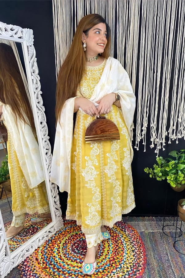 latest kurti design images 2021 for girl yellow