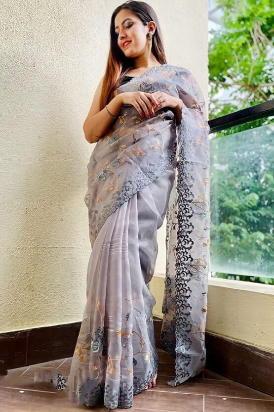 saree look for wedding party for girl
