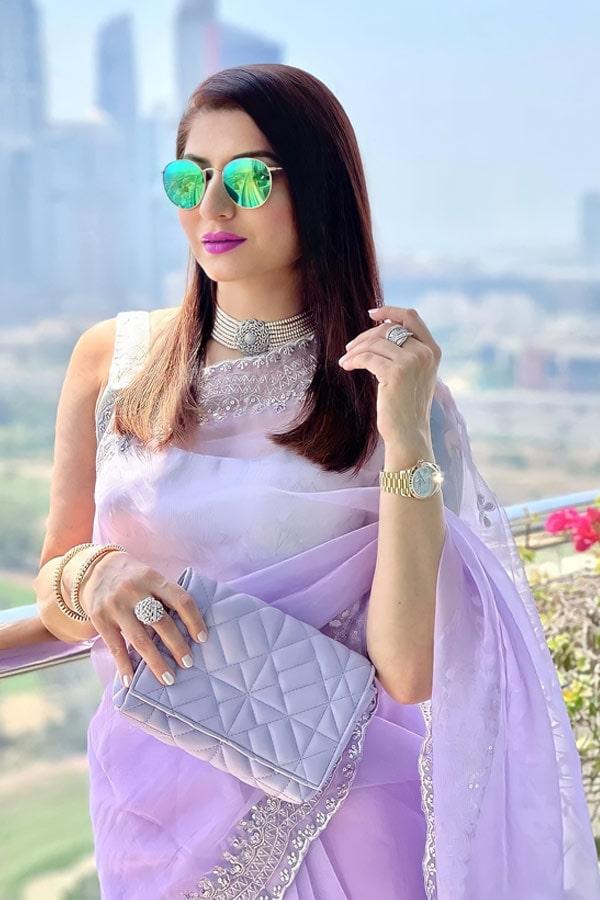Designer sarees for wedding party online