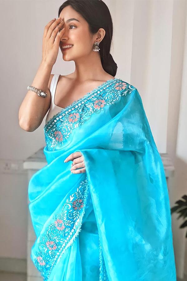 Designer sarees for wedding party online blue