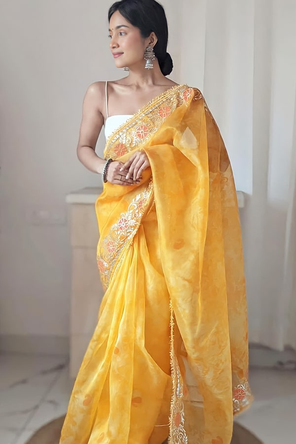 Designer sarees for wedding party online yellow