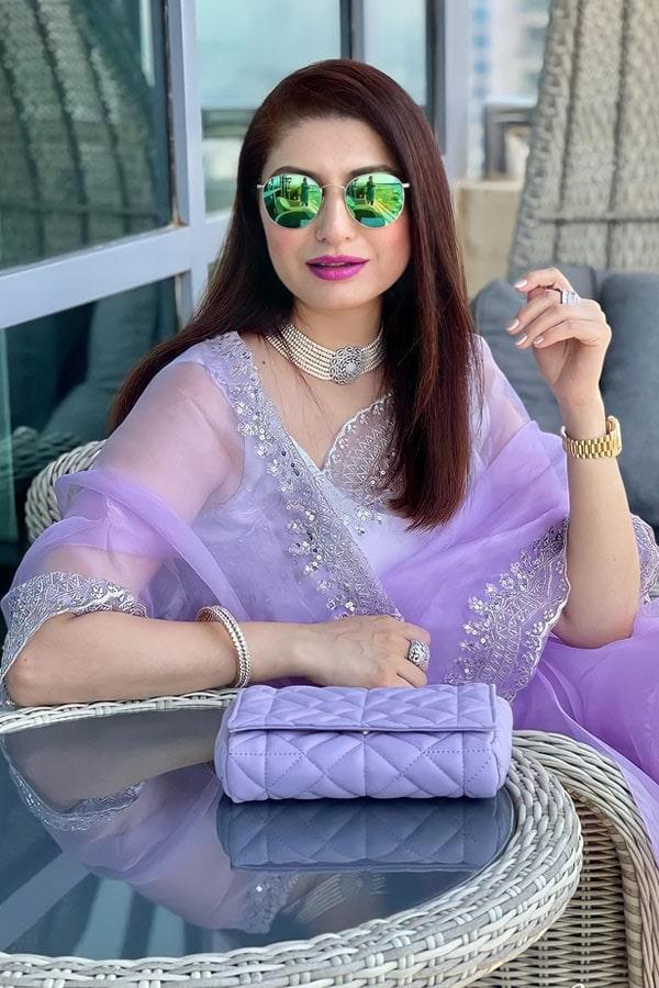 Designer sarees for wedding party online.