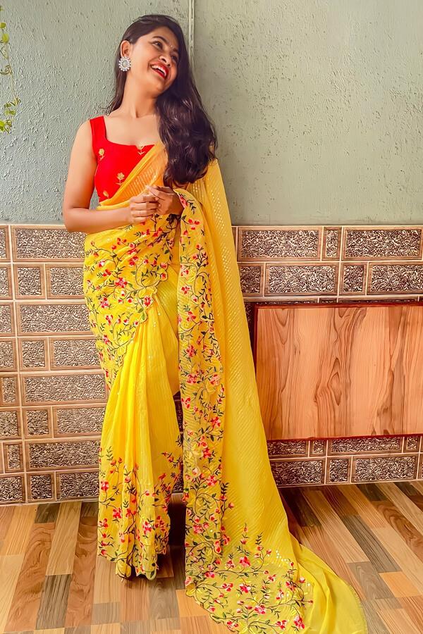 Durga puja saree look collection 2021 yellow