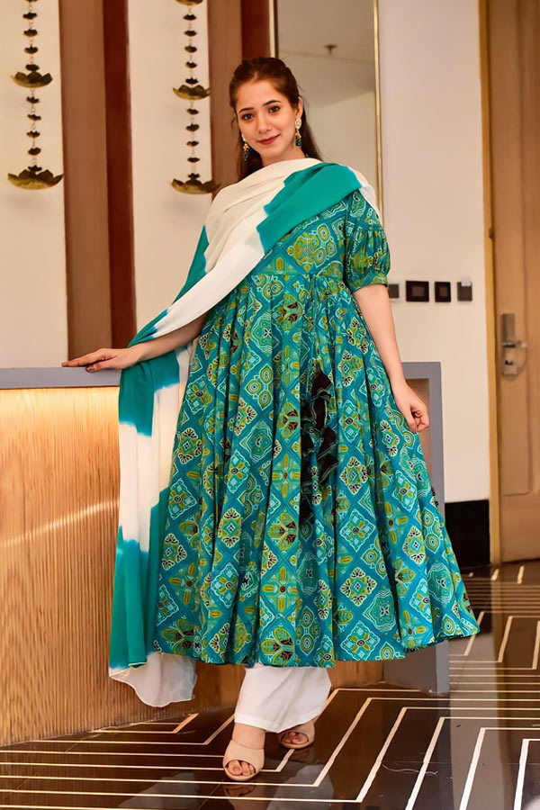 Latest gown design Party wear gown for women