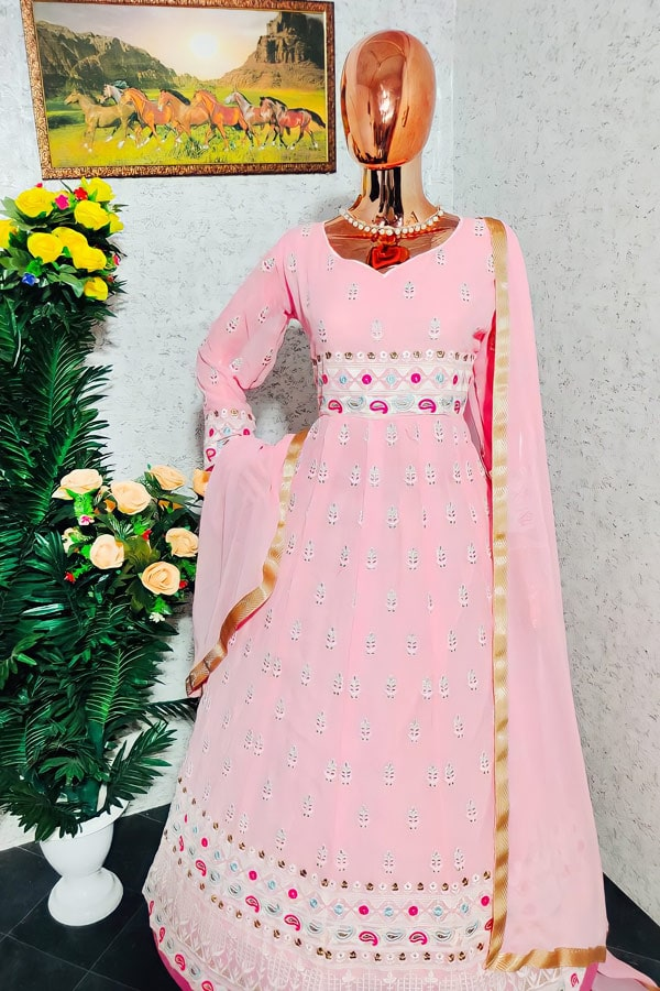 Latest party wear dresses for ladies 2022.