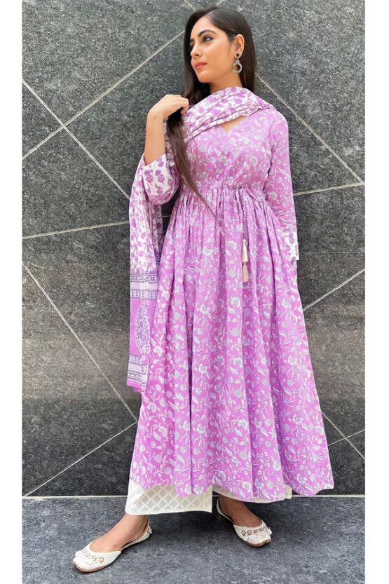 Latest party wear gown for women 2021-2022 (2)