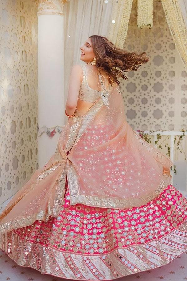 Lehenga for bride sister online pink