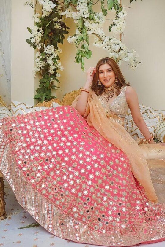 Lehenga for bride sister online.