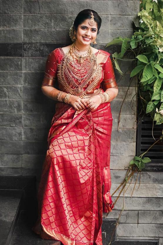 New saree design 2021-2022 for wedding Red