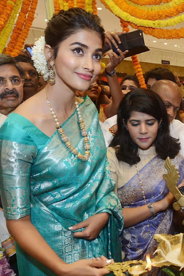 Pooja hegde saree Litchi Silk Saree ..
