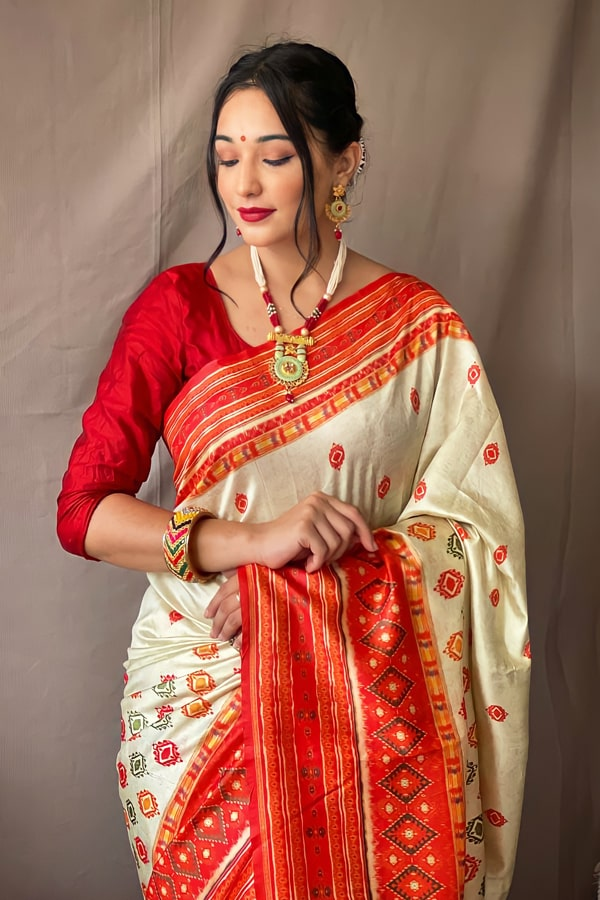 Red and white saree for Durga puja