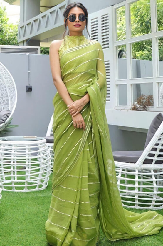 Saree look for wedding party for girls.