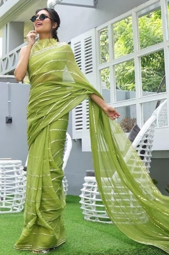 Saree look for wedding party for girls..