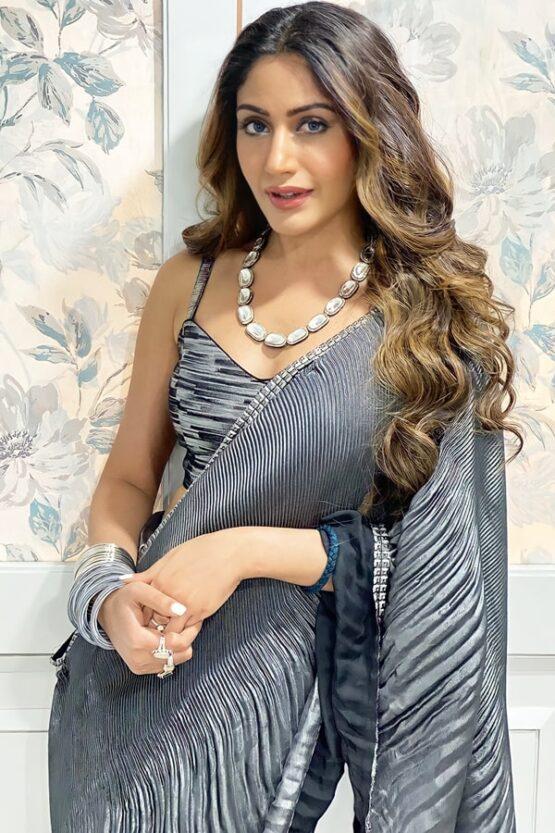 Surbhi chandna bani saree online shopping