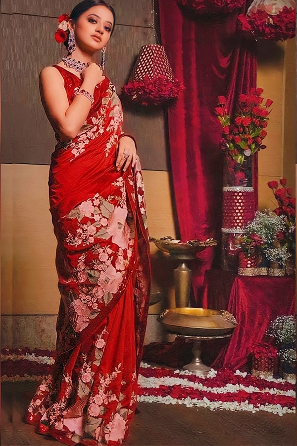 Designer sarees for wedding with price Red