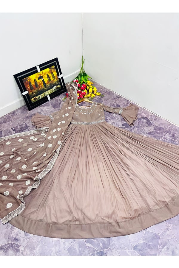 Latest gown design 2021 2022 for girl
