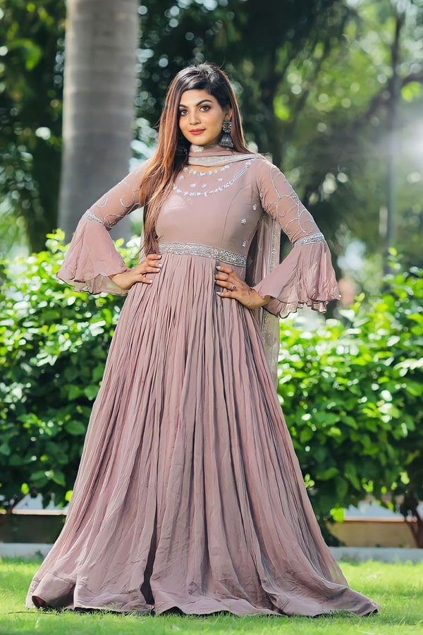 long gown design images 2021-2022.